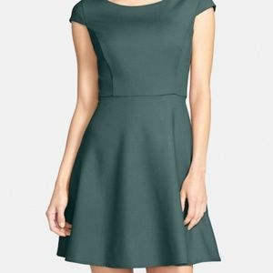 French Connection sz6  Whisper Ruth Flare Dress